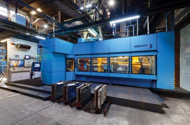 Ejemplo de máquina de moldeo, que formará parte de la futura línea completa de moldeo vertical de la planta de Nissan Cantabria.