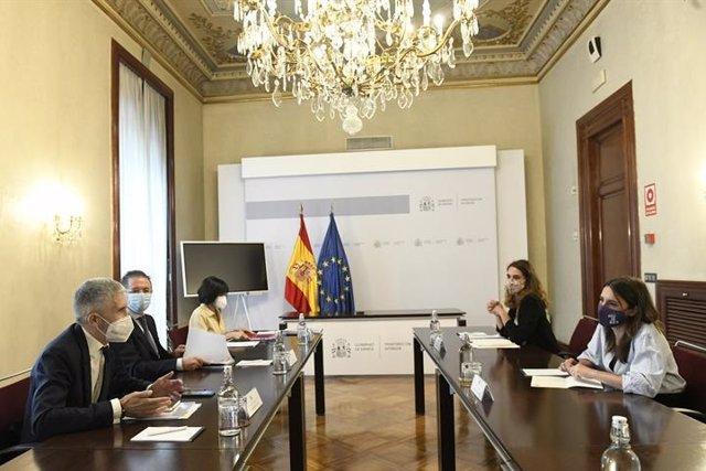 Reunión de los ministros del Interior e Igualdad, Fernando Grande-Marlaska e Irene Montero, respectivamente