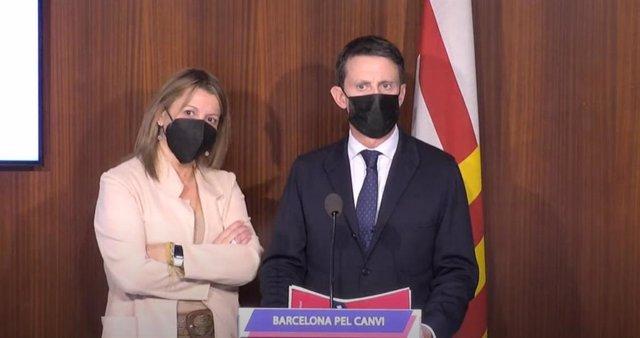 Archivo - Arxiu - El líder de Bcn Canvi a l'Ajuntament de Barcelona, Manuel Valls, i la regidora Eva Parera, en roda de premsa.