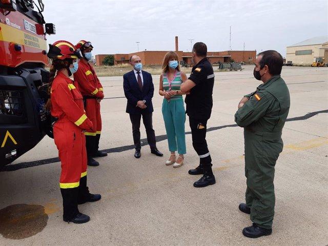 Pilar Alegría ha visitado la Base Aérea de Zaragoza