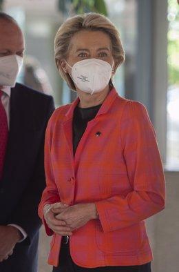 La presidenta de la Comissió Europea, Ursula von der Leyen, a la seua arribada a la reunió amb el president del Govern, en la seu de Xarxa Elèctrica d'Espanya, a 16 de juny de 2021, en Alcobendas, Madrid (Espanya).