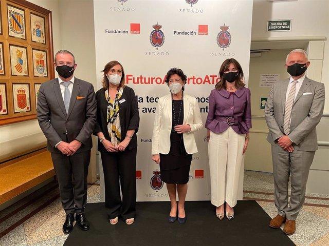 La ministra de Educación y la presidenta del Senado, anfitrionas de la presentación de Orange Digital Center, la nueva plataforma de formación de Fundación Orange