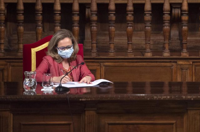 Arxiu - La vicepresidenta segona i ministra d'Afers Econòmics i Transformació Digital, Nadia Calviño.