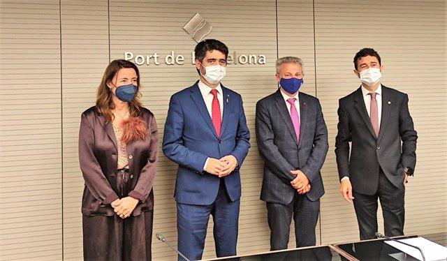 L'encara presidenta del Port de Barcelona, Mercè Conesa; el vicepresident del Govern, Jordi Puigneró; el president de Ports de l'Estat, Francisco Toledo; i l'exconseller i futur president de l'enclavament Damià Calvet.