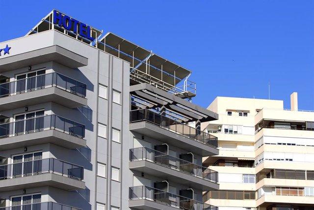 Archivo - Hoteles en la  playa Playamar en Torremolinos.
