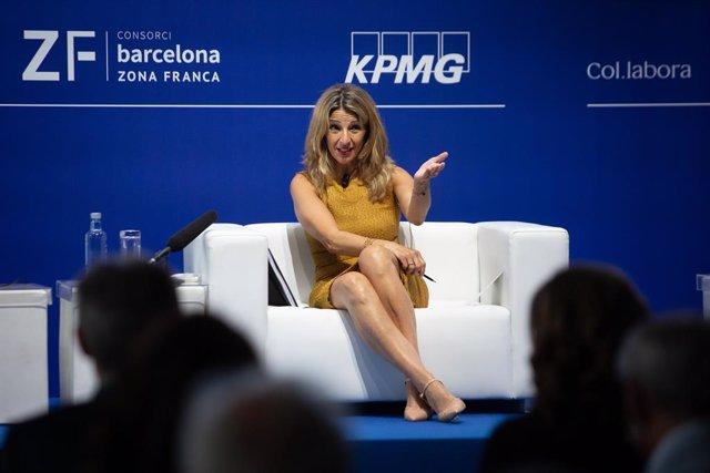 """La vicepresidenta tercera i ministra de Treball i Economia Social, Yolanda Díaz, en la XXXVI Reunió del Cercle d""""Economia."""