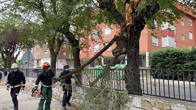 Bomberos realizan 184 intervenciones por tormentas en toda la región madrileña, ninguna con heridos