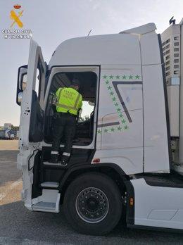 Imagen del camión en cuyo conductor manipulaba el tacógrafo.