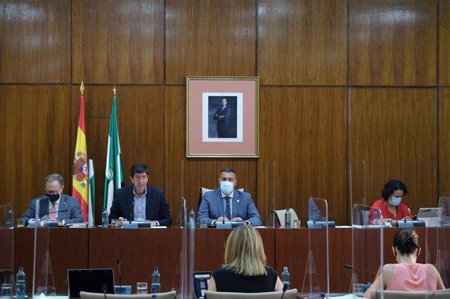 Marín anuncia que Justicia tramita las órdenes para implantar la nuevo Oficina Fiscal en toda Andalucía