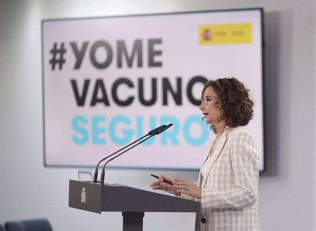 La ministra portavoz y de Hacienda, María Jesús Montero, ofrece una rueda de prensa en Moncloa