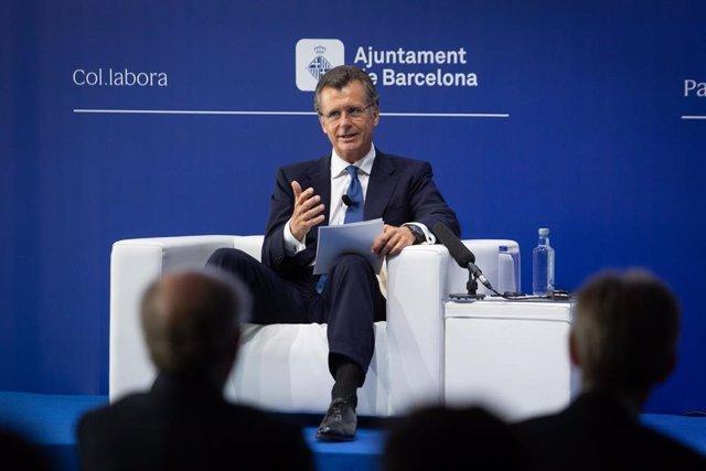 """El vicepresidente de BlackRock, Philipp Hildebrand, interviene durante la sesión,  bajo el título: 'El propósito empresarial. El nuevo capitalismo', en la segunda jornada de la XXXVI Reunión del Cercle d""""Economia, en el Hotel W de Barcelona, a 17 de junio"""