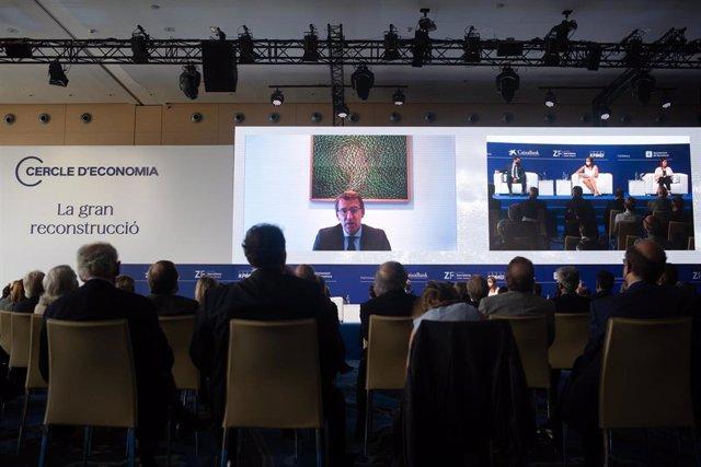 """Connexió del president de la Xunta de Galícia, Alberto Núñez Feijóo, en una sessió, sota el títol: `El model territorial per millorar l'economia espanyola', en la segona jornada de la XXXVI Reunió del Cercle d""""Economia, a l'Hotel W de Barcelona, a"""