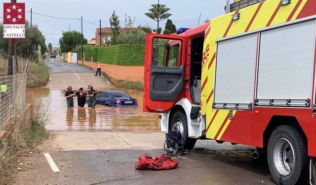 Rescate de bomberos por lluvias