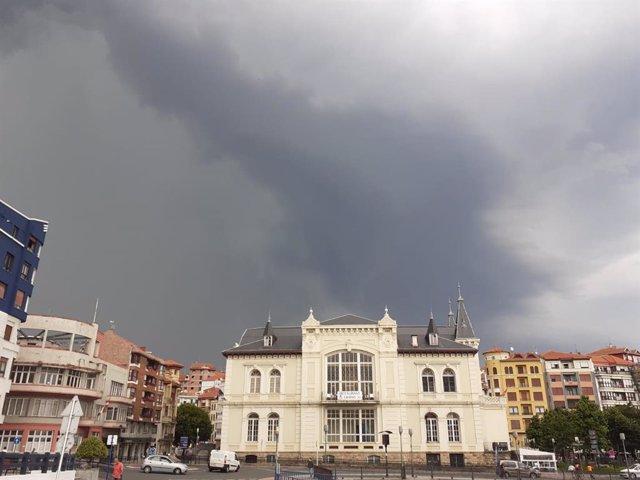 Cielos muy nublados en Euskadi (archivo)