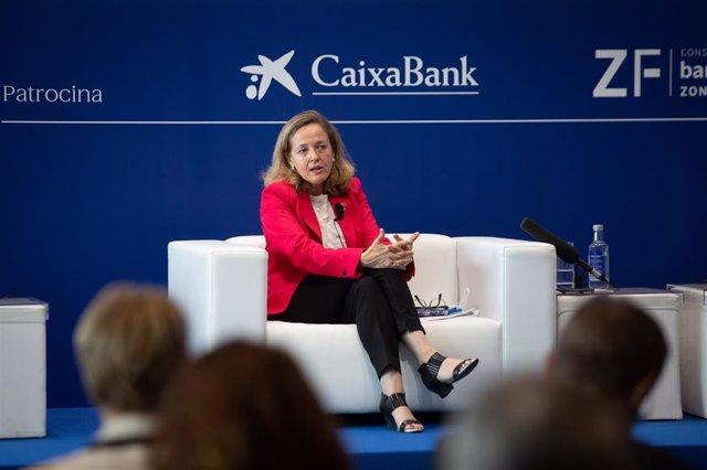 La vicepresidenta segona del Govern espanyol i ministra d'Afers Econòmics, Nadia Calviño, en la XXXVI Reunió del Cercle d'Economia.