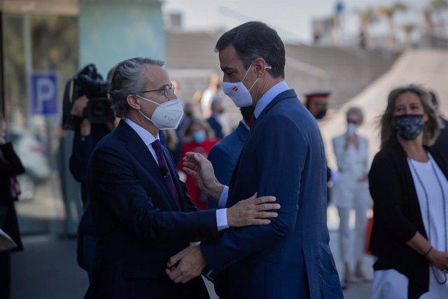 El president del Govern espanyol, Pedro Sánchez, i el president del Cercle d'Economia, Javier Faus.