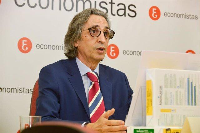 Archivo - El decano-presidente del Colegio de Economistas de Valladolid, Palencia y Zamora (Ecova), Juan Carlos De Margarida.