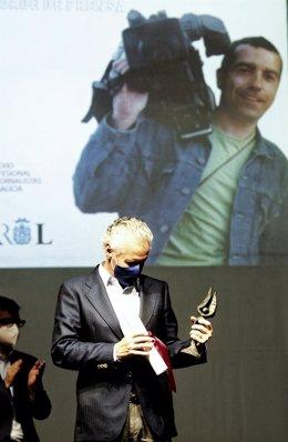 Archivo - El periodista Lorenzo Milá,  durante la entrega del XVII Premio Couso de Libertad de Prensa.