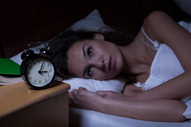 Archivo - Insomnio. Desvelarse. Falta de sueño