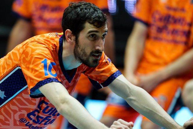Guillem Vives amb València Basket