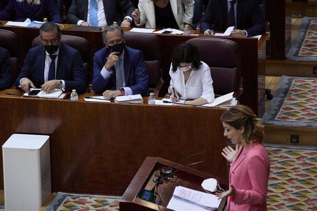 La portavoz del PSOE en la Asamblea de Madrid, Hana Jalloul, interviene en la segunda sesión del pleno de investidura