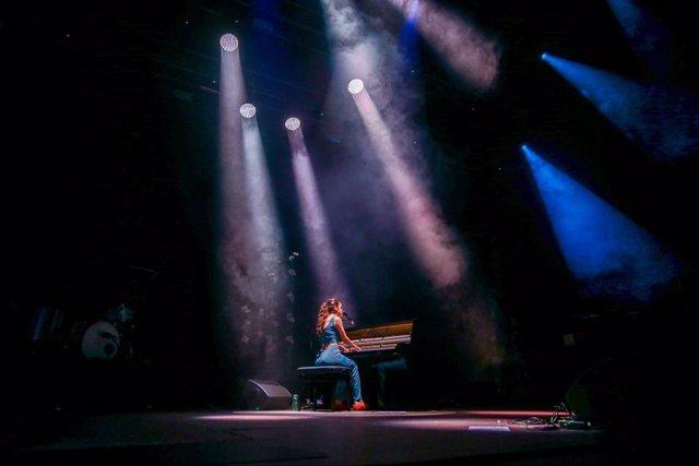 La cantante Amaia Romero actúa en Las Noches del Botánico