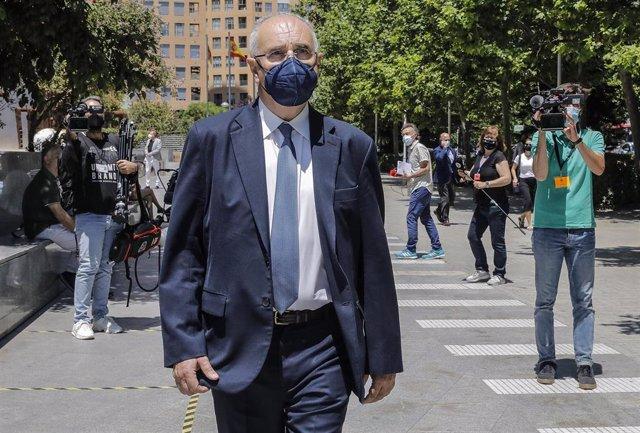 El exconseller y exdiputado 'popular' en Les Corts, Rafael Blasco, sale de la Ciudad de la Justicia en imagen de archivo