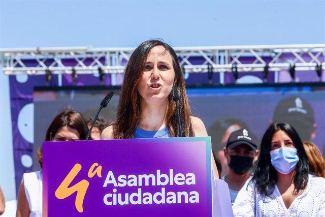 La nueva líder de Podemos, Ione Belarra, interviene tras ser elegida como secretaria general del partido en la IV Asamblea Ciudadana Estatal de Podemos, a 13 de junio de 2021, en el Auditorio Parque de Lucía de Alcorcón, Alcorcón, Madrid, (España).