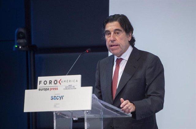 El presidente de presidente de Sacyr, Manuel Manrique, interviene un coloquio organizado por Europa Press y Estudio de Comunicación de Foro América