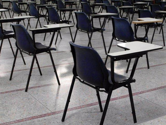 Aula para las pruebas de obtención del título de graduado en ESO
