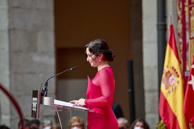 La presidenta de la Comunidad de Madrid, Isabel Díaz Ayuso, interviene en el acto de toma de su posesión