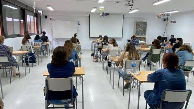 Opositores docentes en las pruebas que comienzan este sábado en Extremadura.