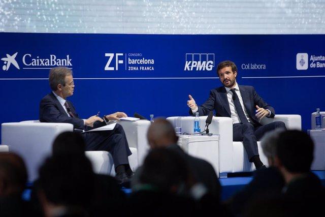 """El vicepresident del Cercle d'Economia, Jordi Gual i el líder del PP, Pablo Casado, en la inauguració de la segona jornada de la XXXVI Reunió del Cercle d""""Economia"""