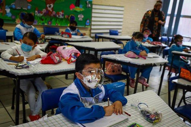 Escuela educativa en México durante la pandemia de coronavirus