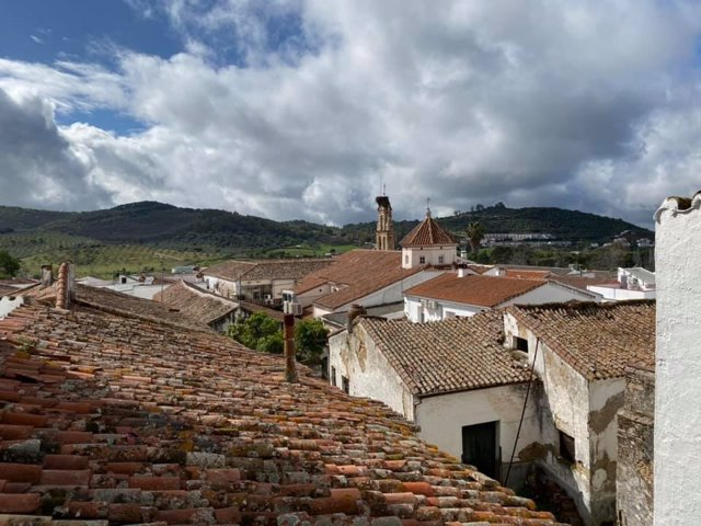 Archivo - Cazalla de la Sierra, en pleno corazón de la Sierra Morena sevillana