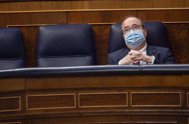 Archivo - El ministro de Política Territorial y Función Pública, Miquel Iceta, en una sesión de control al Gobierno en el Congreso