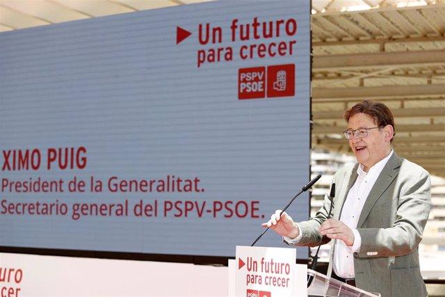 El 'president' de la Generalitat, Ximo Puig, participa en el acto 'Un futuro para crecer', organizado por el PSPV en Alicante