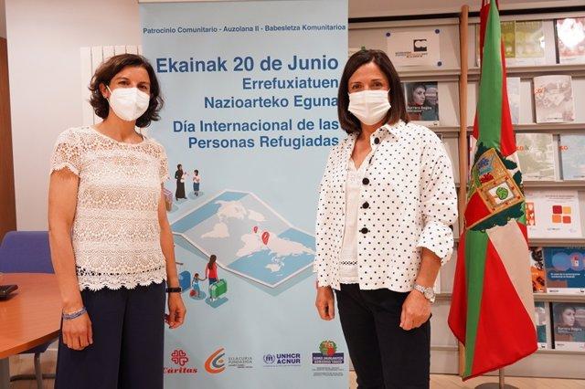 La responsable de ACNUR, Sophie Muller, y la consejera Beatriz Artolazabal