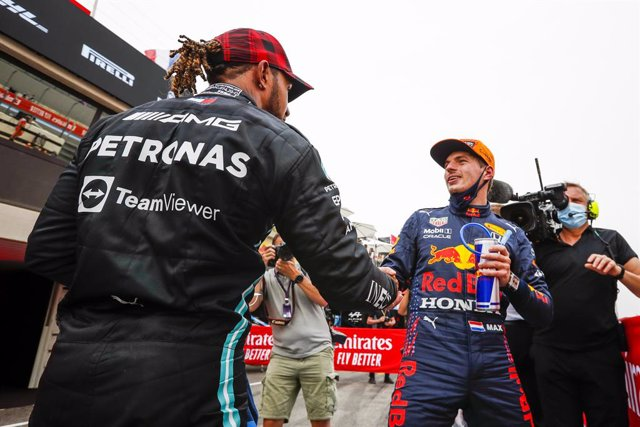 HAMILTON Lewis (gbr), Mercedes AMG F1 GP W12 E Performance, VERSTAPPEN Max (ned), Red Bull Racing Honda RB16B, portrait during the Formula 1 Emirates Grand Prix de France 2021, 7th round of the 2021 FIA Formula One World Championship from June 18 to 20, 2