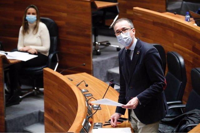 Archivo - El consejero de Salud del Gobierno asturiano, Pablo Fernández Muñíz.
