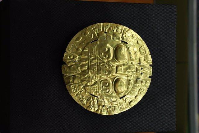La Placa Echenique, una obra precolombina devuelta por Estados Unidos a Perú