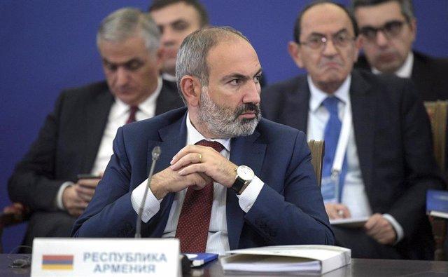 Archivo - Primer ministro saliente de Armenia, Nikol Pashinián