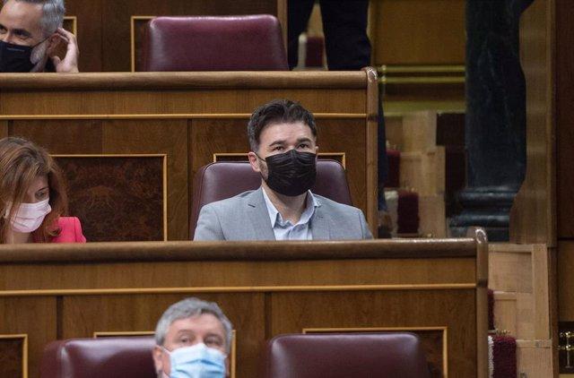 Archivo - El portavoz del grupo parlamentario de ERC, Gabriel Rufián, en una sesión plenaria en el Congreso