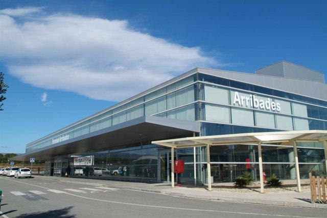 L'Aeroport de Reus (Tarragona) recupera la connexió aèria amb les Balears després de sis anys.
