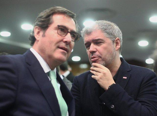 Archivo - Foto de archivo del presidente de la CEOE, Antonio Garamendi y el presidente de CCOO, Unai Sordo