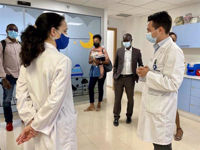 Empresas sanitarias de Senegal visitan el Hospital Vithas Las Palmas para conocer sus procesos y servicios asistenciales