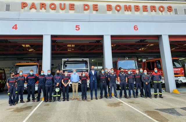 El alcalde con los bomberos
