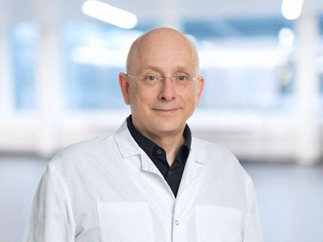 Prof. Dr. Med. Jörg Beyer, Médico Jefe, Departamento de Oncología Médica, Director Gerente del Centro Universitario Oncológico de la UCI, Inselspital, Hospital Universitario de Berna