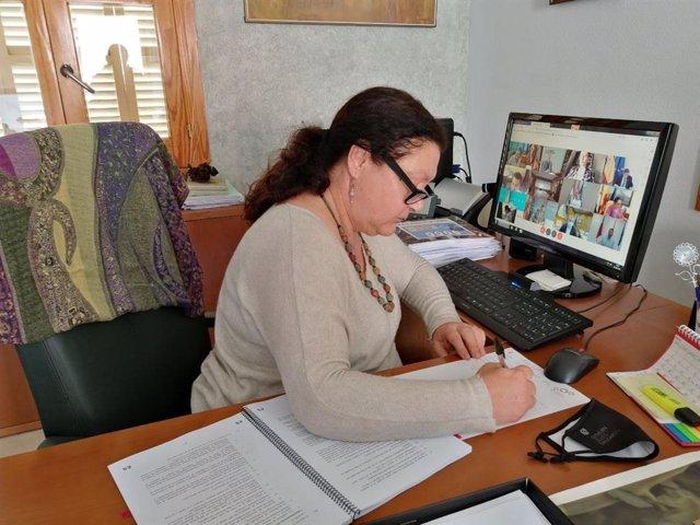 La consellera de Agricultura, Pesca y Alimentación, Mae de la Concha, en su despacho.