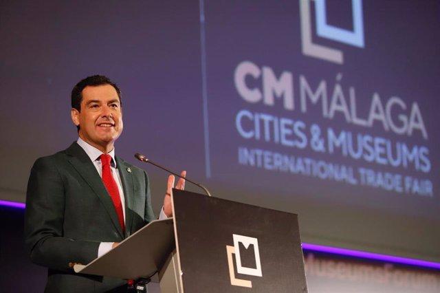 El presidente del Gobierno andaluz, Juanma Moreno, en la inauguración del encuentro Cities and Museums International Trade Fair que se celebra en Málaga